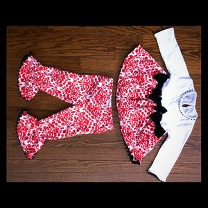 Red, white and black 2 piece Mud Pie